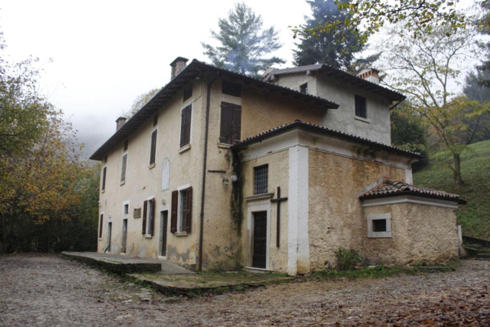 Piazzole Casa Scout Esterno